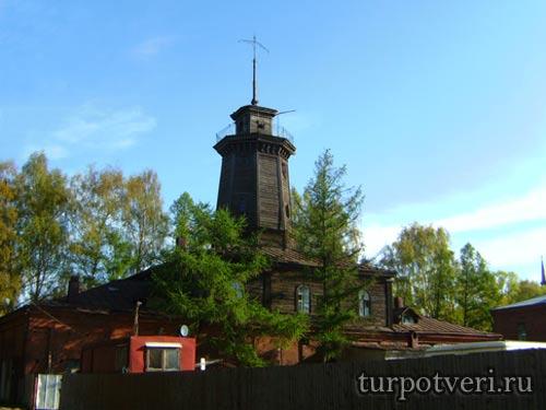Старое здание пожарной команды в Осташкове