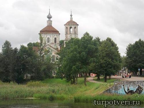 Богоявленская церковь в Торопце