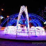 Новогодний фонтан на Комсомольской площади в Твери