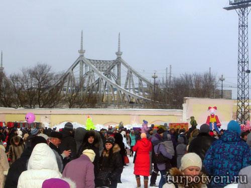 Широкая тверская Масленица-массовое праздничное гуляние