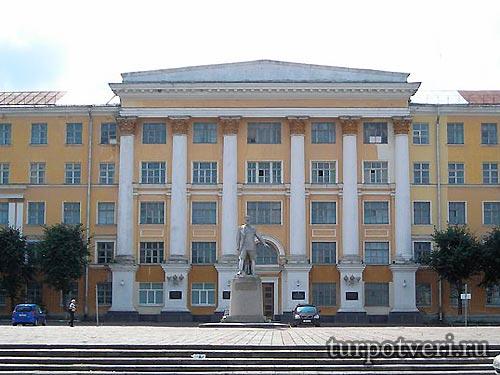 Площадь имени маршала Жукова появится в Твери
