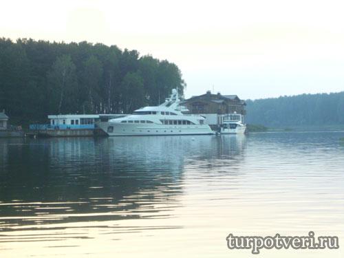 Отдых на реке Волга
