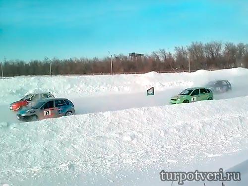 Соревнования по зимним трековым гонкам