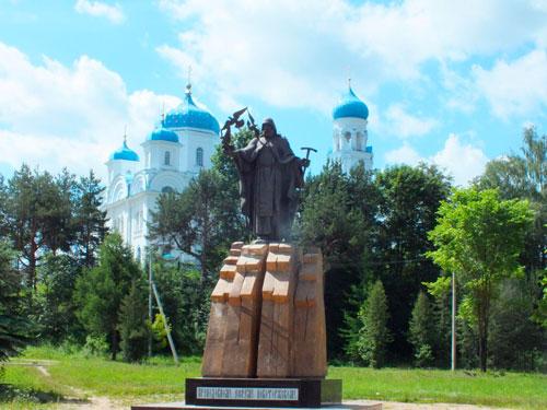 Паметник Ефрему Новоторжскому
