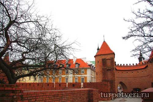 Варшава-Башня Барбакан
