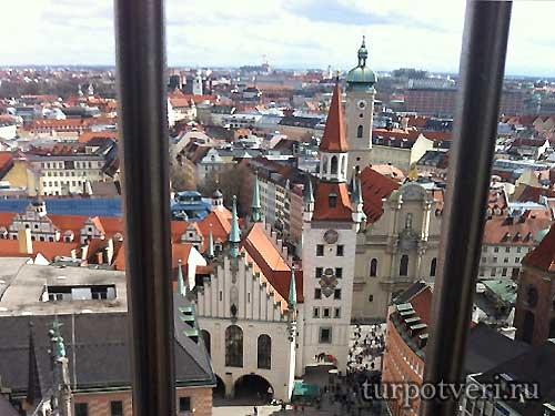 Вид на старую ратушу в Мюнхене